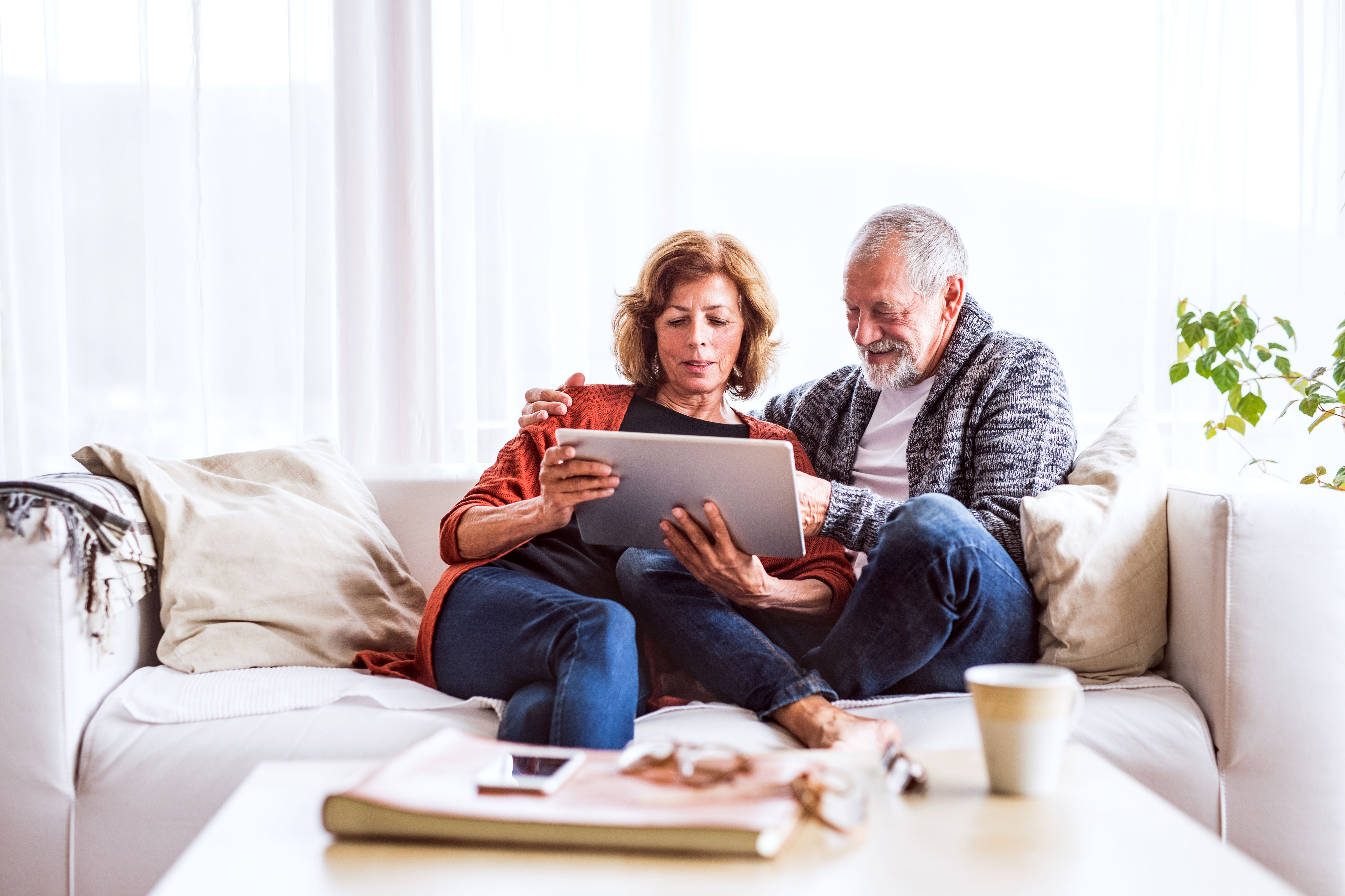 valuing-our-customers-image-older-couple-on-ipad.jpg